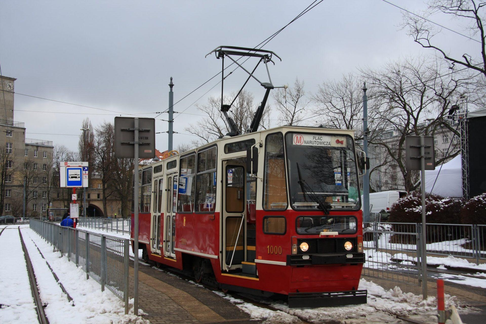 105N_1000_Pl.Narutowicza_zima