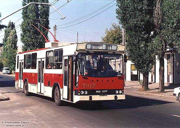 Trolejbus Jelcz PR110E nr T017 w Piasecznie, fot. Przemysław Figura