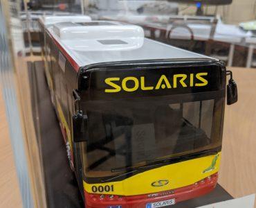 Model autobusu na aukcji charytatywnej