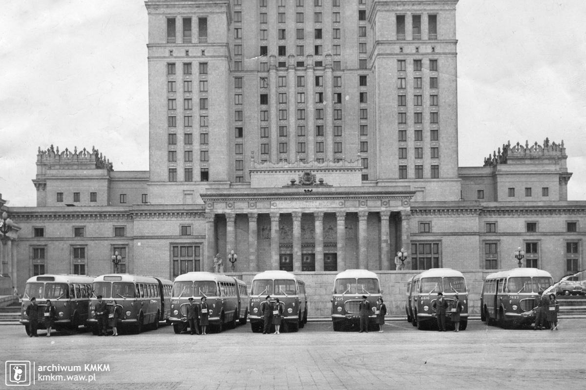prezentacja autobusów AP-62
