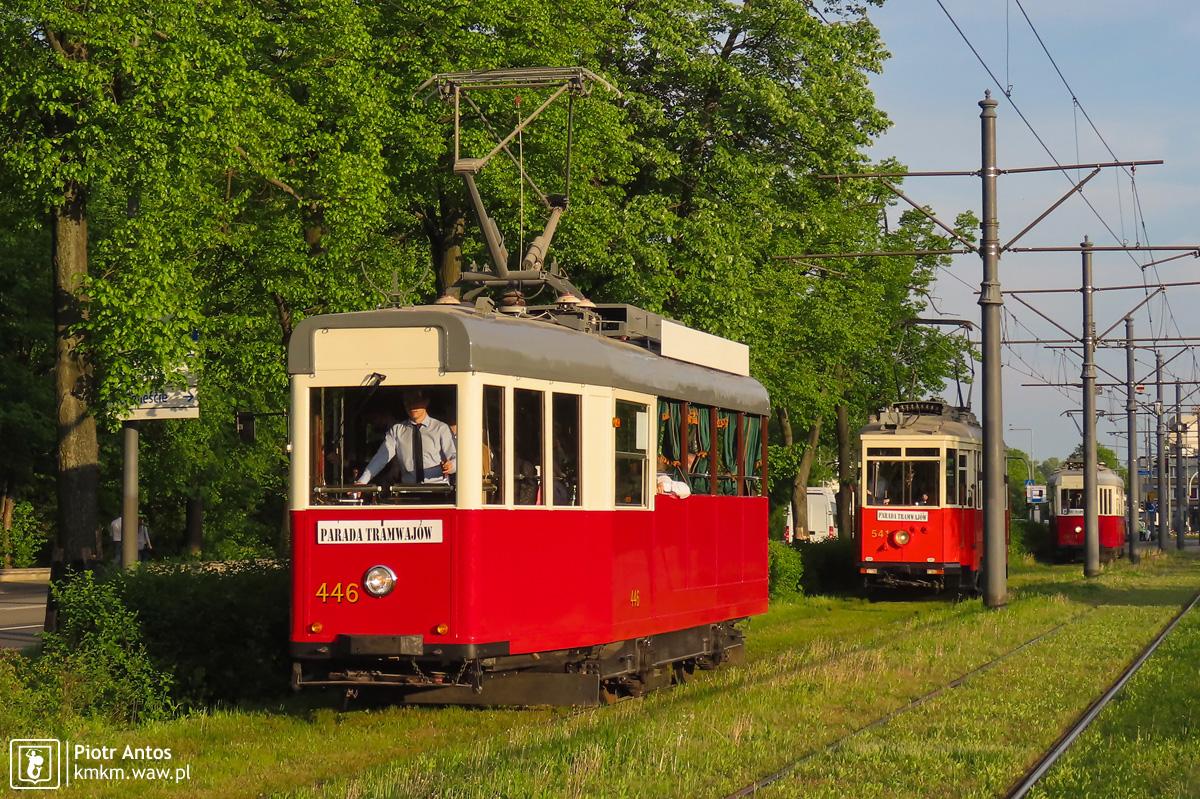 Wyjątkowy tramwaj kabriolet (zbudowany z wagonu typu K) z orkiestrą tramwajową na pokładzie